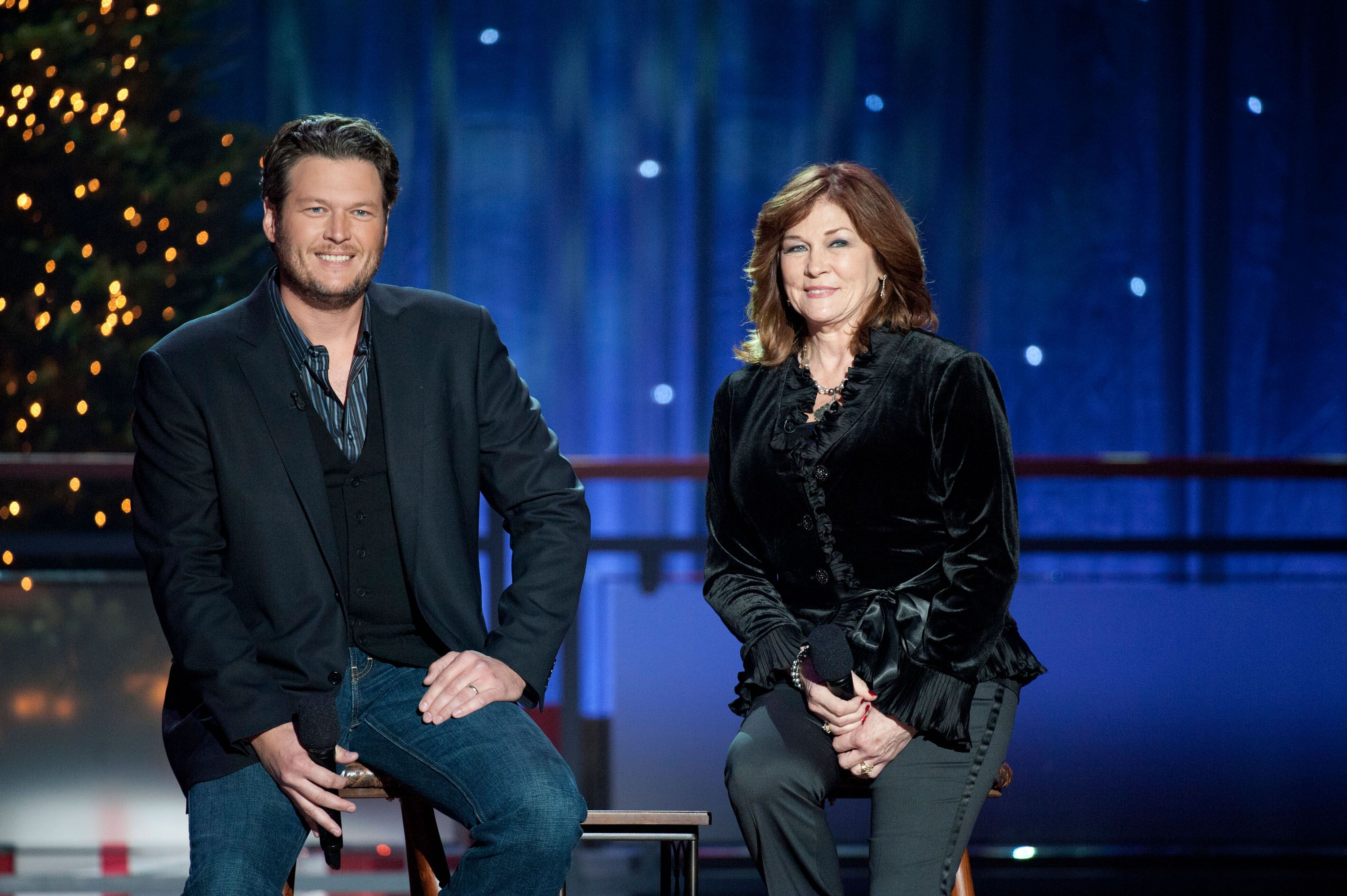 Coming Home For Christmas Hallmark.All About Blake Shelton S Hallmark Movie Time For Me To