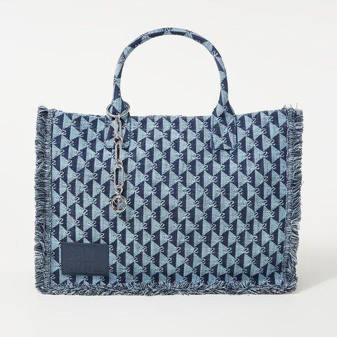 blauwe strandtas van jacquard stof met franjes van sandro via de bijenkorf