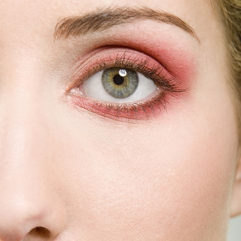 4 reasons your eyelids could be red, itchy and sore.