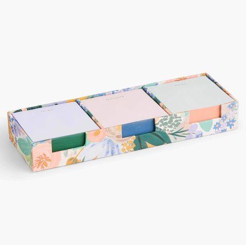 blocs de notas con diseño floral