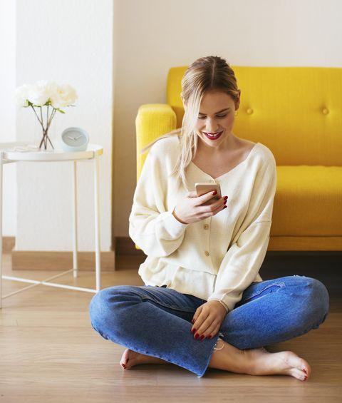 el uso de los dispositivos móviles provoca en muchas personas una doble papada eliminarla es posible