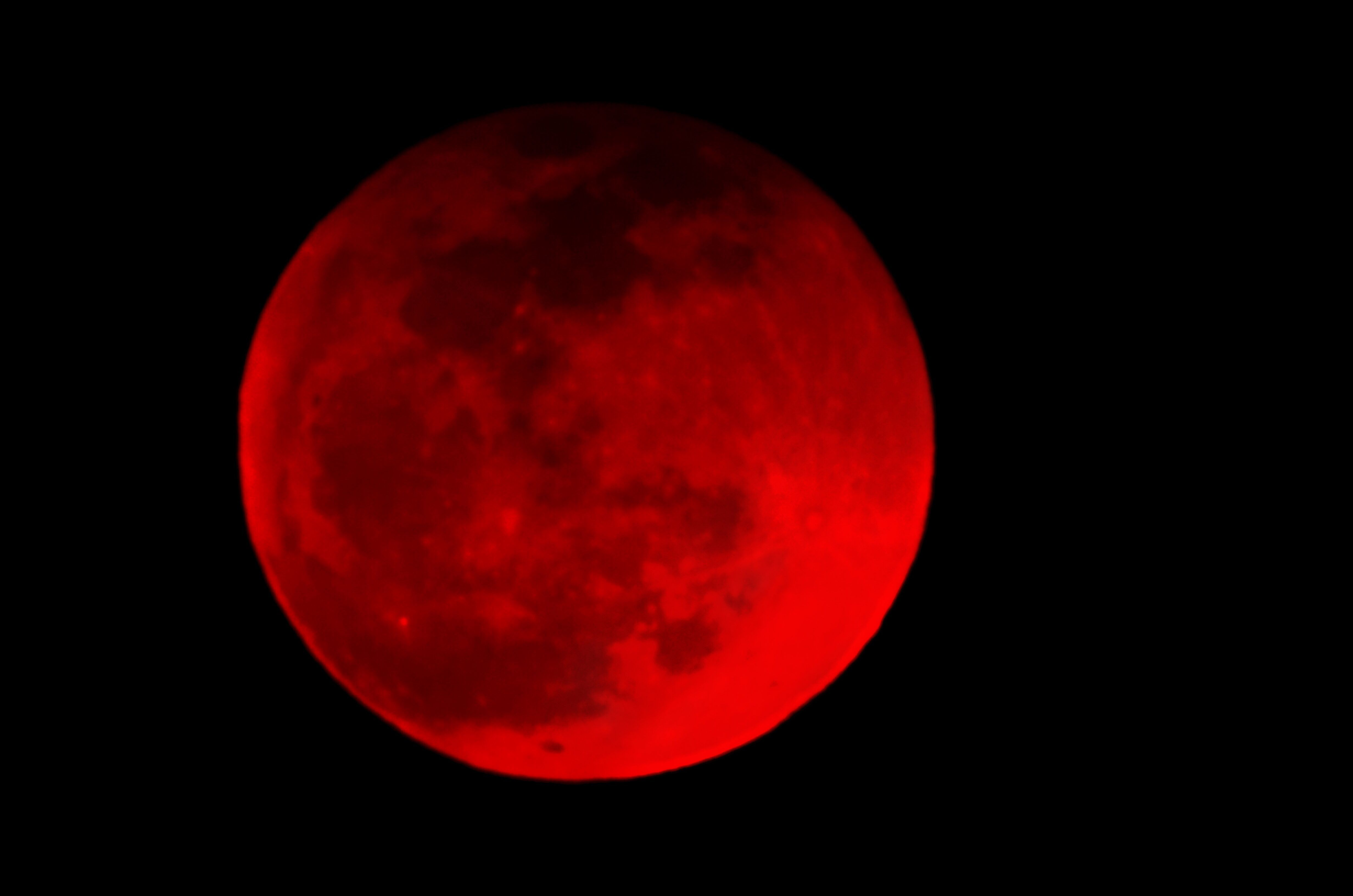A Super Blood Wolf Moon Eclipse Will Turn The Sky Red This Weekend