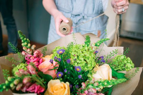Flower arranging and gin tasting for Mother's Day