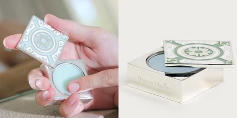 Skin, Material property, Hand, Fashion accessory, Circle, Nail,