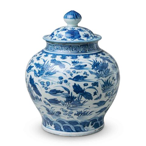 blue and white ceramics ming dynasty porcelain jar with lid with wildlife and nature drawings and greek key detail at the top