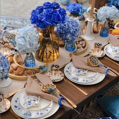 blue and white eid table