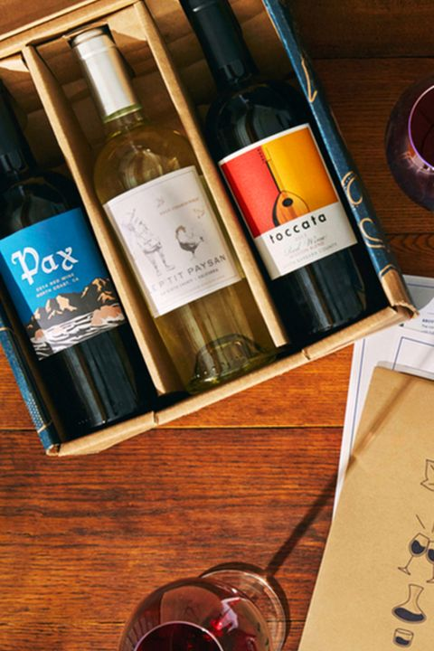Drink, Alcoholic beverage, Liqueur, Glass bottle, Distilled beverage, Bottle, Wine bottle, Wine, Material property, Alcohol,