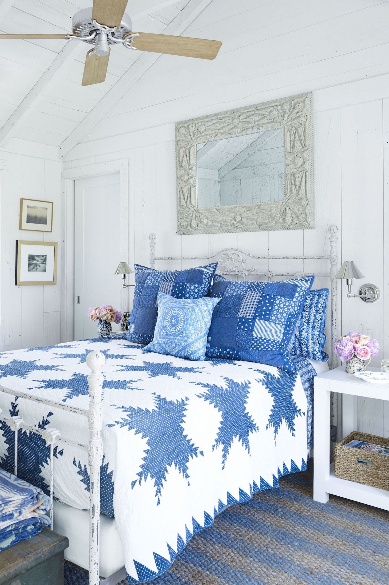 Featured image of post Light Blue Aesthetic Bedroom Ideas