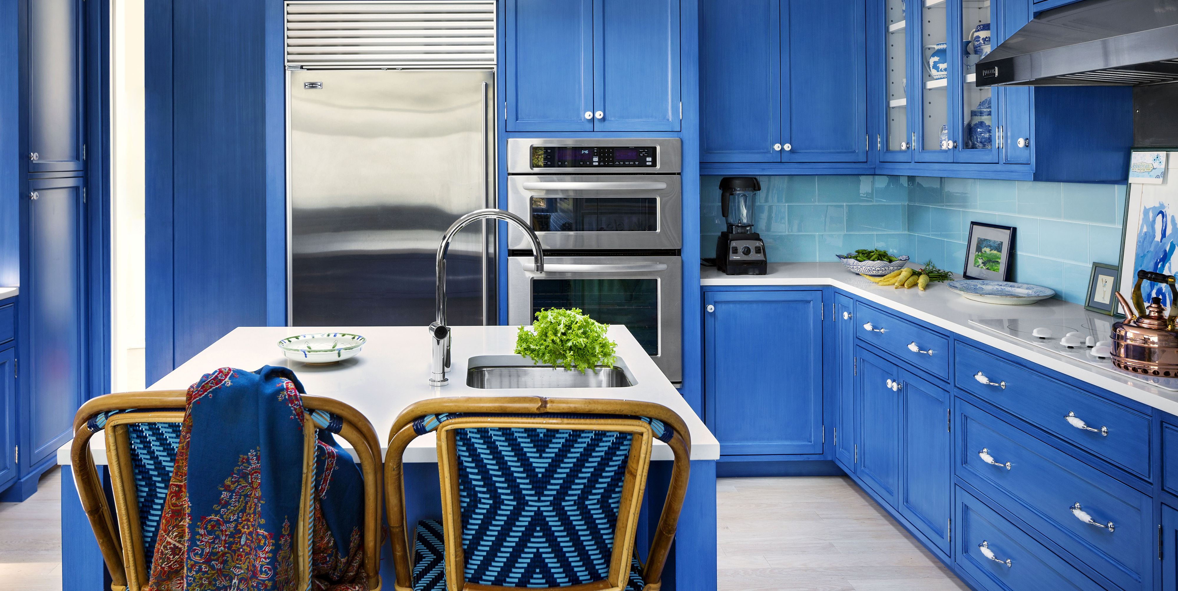 15 Blue Kitchen Design Ideas That'll Both Soothe and Stun