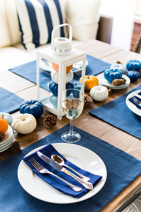 blue thanksgiving table settings