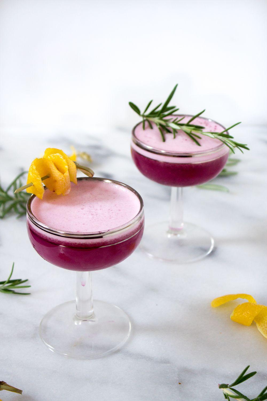 Homemade Tarragon - 3 Recipes of the Invigorating Drink