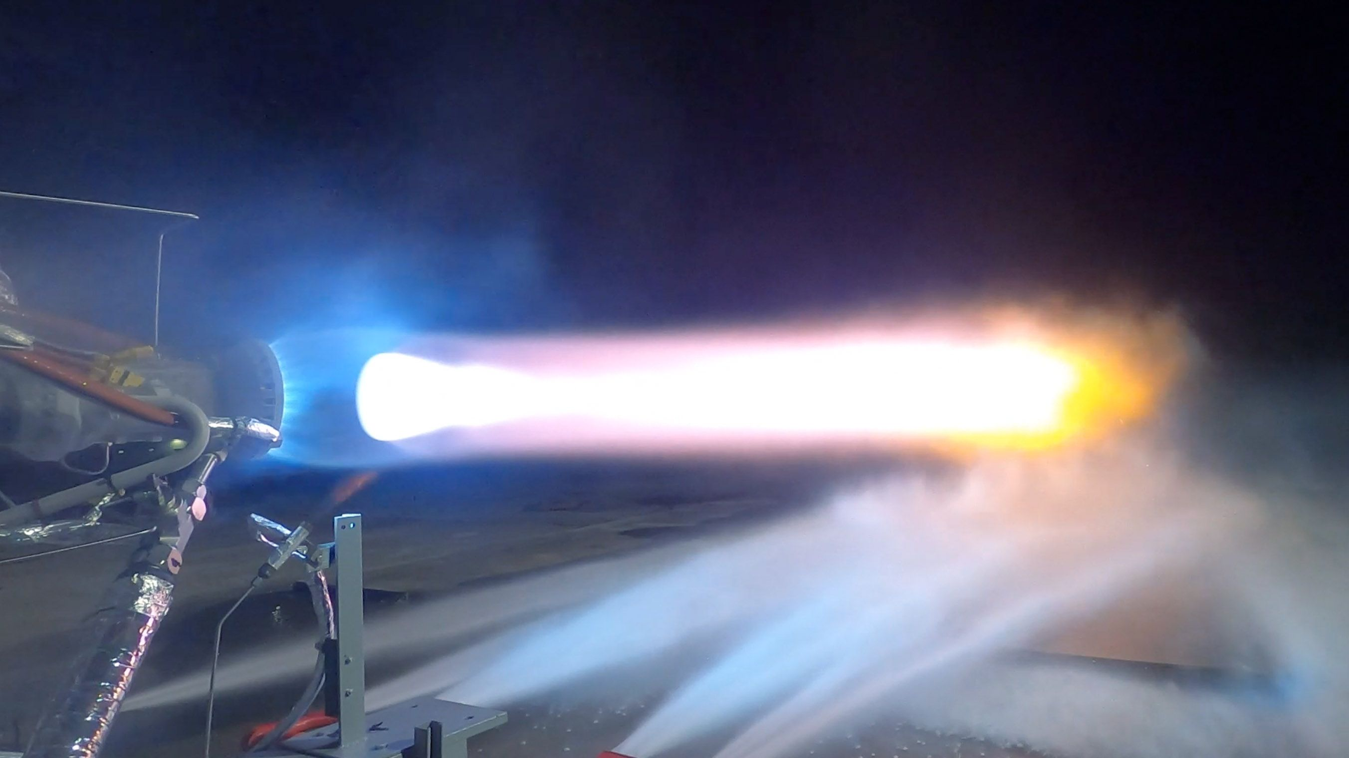 Watch Blue Origin's Moon-Bound Rocket Engine Come Alive