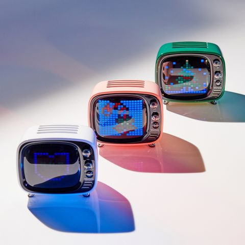 Product, Technology, Gadget, Electronic device, Pedometer, Vehicle, Portable communications device,