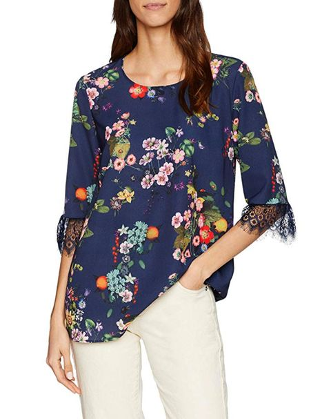 Clothing, Sleeve, Neck, Shoulder, Top, Blouse, Shirt, T-shirt, Joint, Arm,
