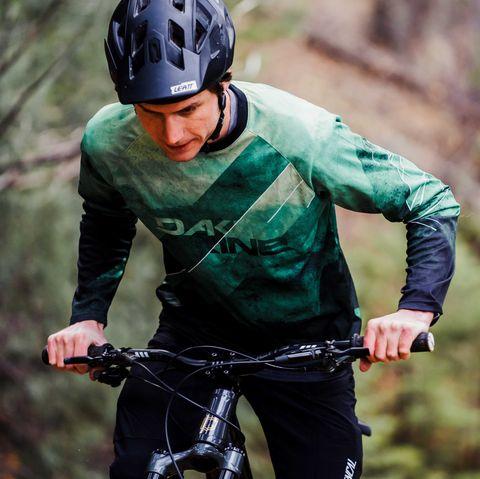 Cycling, Outdoor recreation, Mountain bike, Adventure racing, Cycle sport, Endurance sports, Helmet, Recreation, Vehicle, Mountain bike racing,