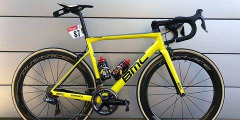 Land vehicle, Bicycle, Bicycle wheel, Bicycle frame, Bicycle part, Vehicle, Bicycle tire, Bicycle handlebar, Road bicycle, Racing bicycle,