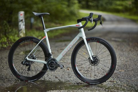 The New BMC Roadmachine Conquers All Roads