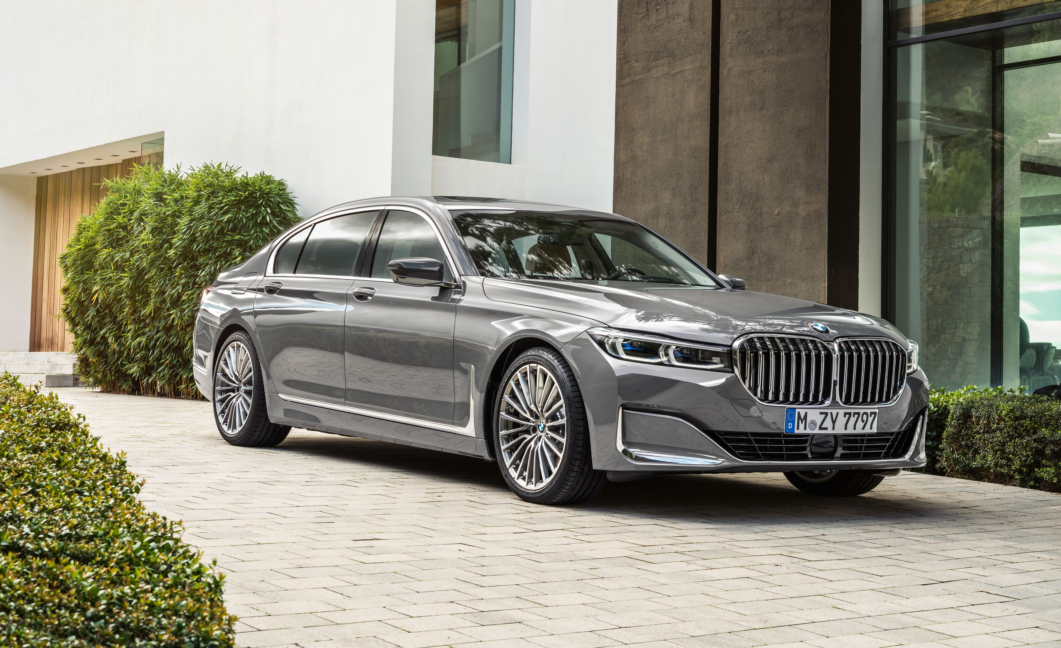 The 2020 Bmw 7 Series Sedan S Kidney Grille Is 40 Percent Bigger
