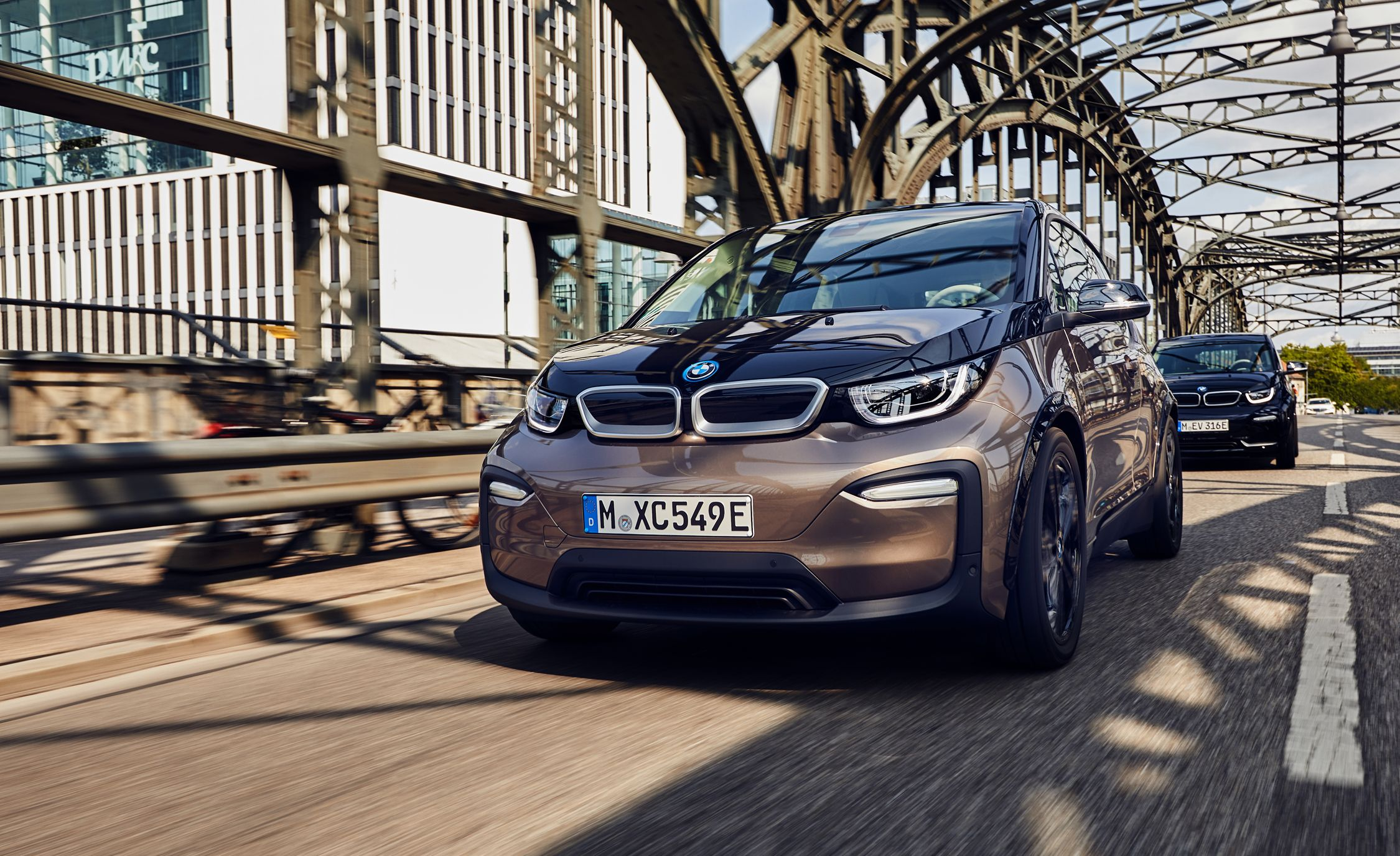 2019 BMW i3 EV Has More Range, Not Much Better Than Nissan Leaf