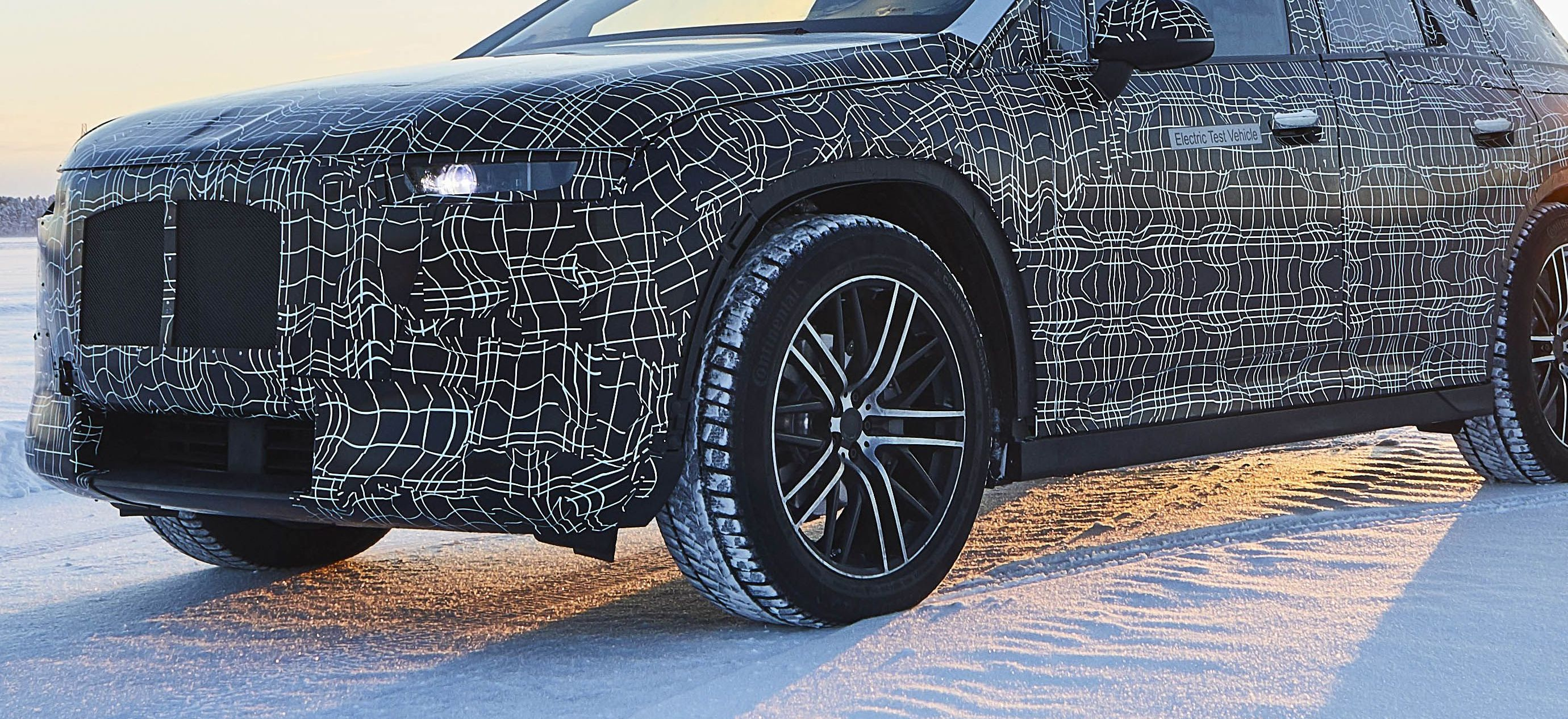 The All-Electric BMW iNext Will Be the Boxy New Bimmer Tech Flagship