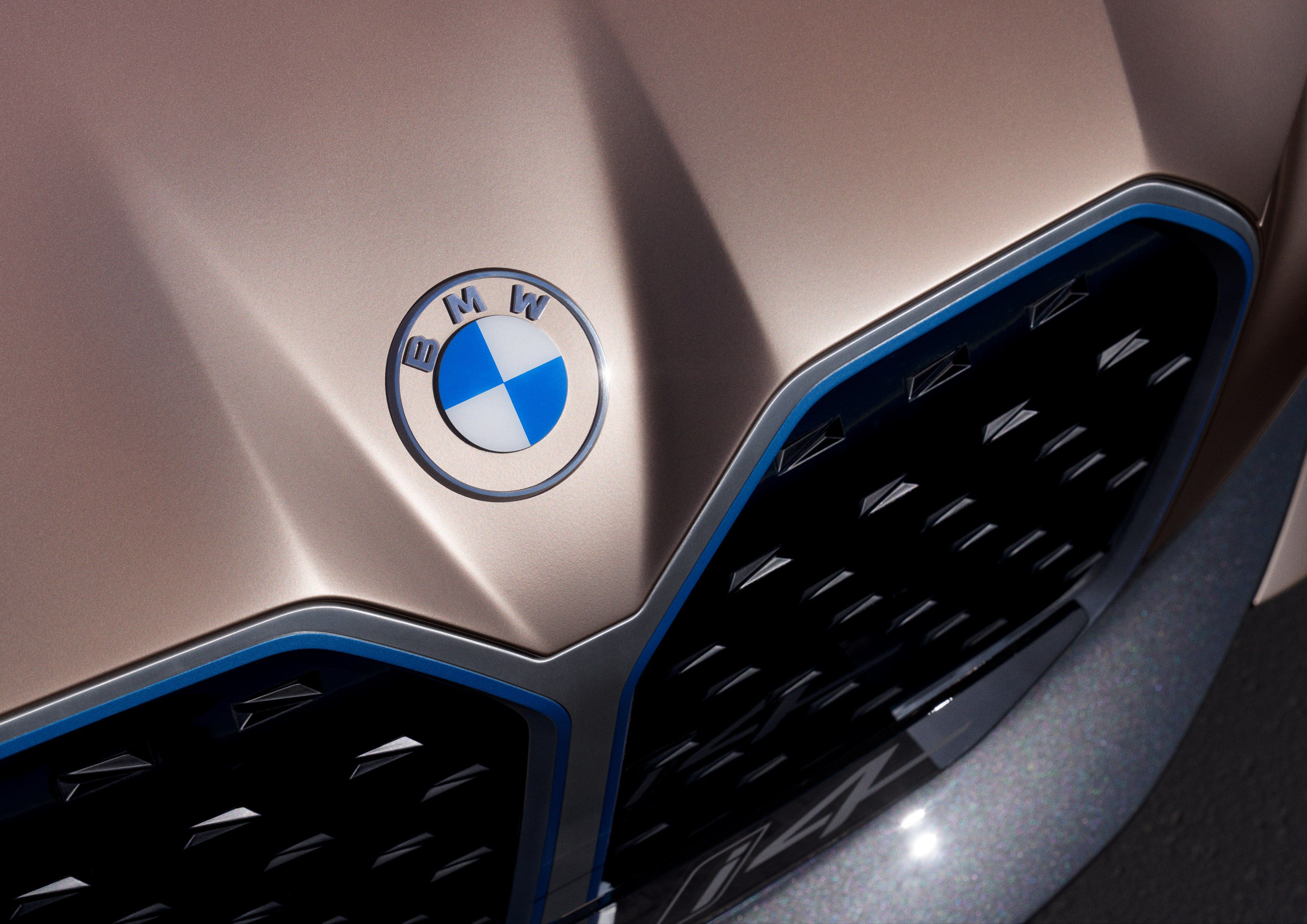Bmw Gets New Logo And The Difference Is Clear