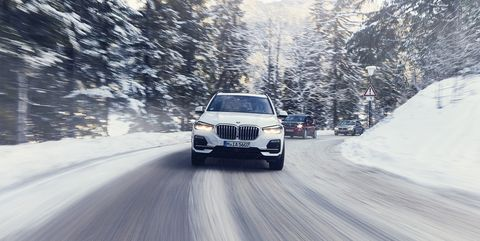 2021 BMW X5 Will Introduce Electric Version >> Bmw S Second Gen Plug Ins Offer More Electric Range And Aggressive