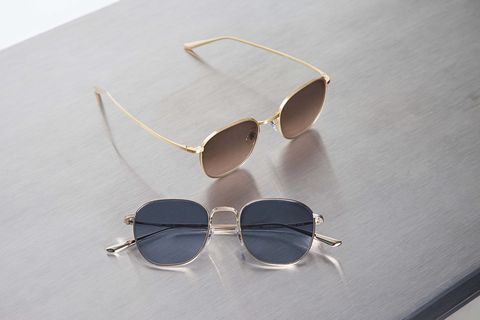 Eyewear, Sunglasses, Glasses, Personal protective equipment, aviator sunglass, Vision care, Goggles, Transparent material, Material property, Eye glass accessory,