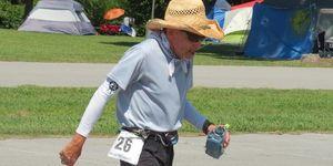 bob, becker, 74 años, gana, ultramaraton, 370 km