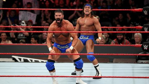 WWE Monday Night Raw: Bobby Roode and Chad Gable