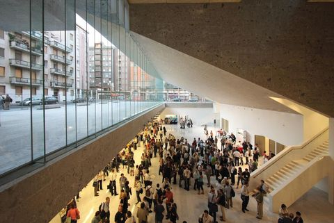 Building, Architecture, Shopping mall, Lobby, Tourist attraction, Crowd, Mixed-use,