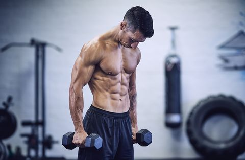 Body Builder Training in Industrial Urban Gym
