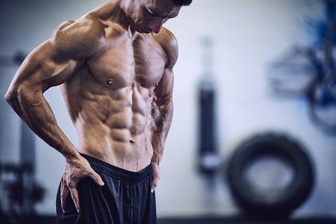 que es mejor trabajar pecho y biceps o triceps