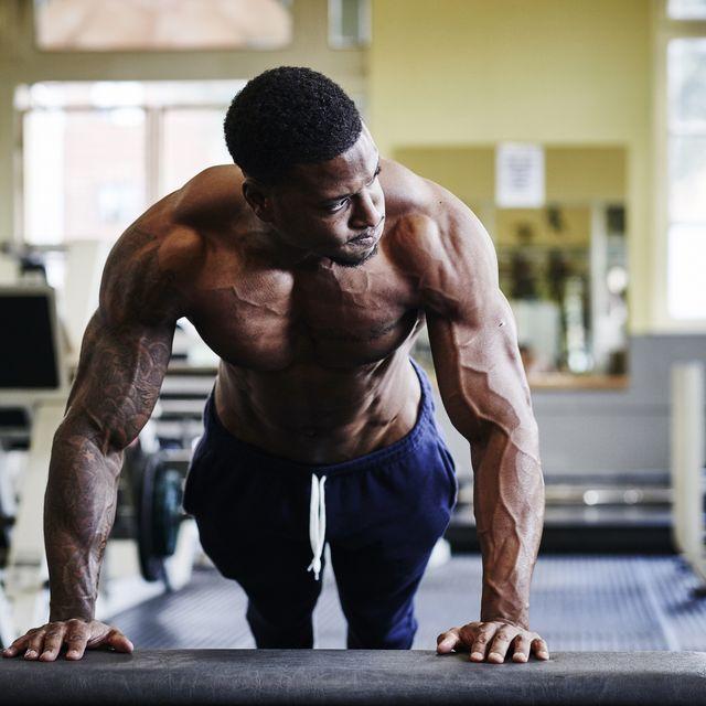 20 ejercicios con peso corporal para fuerza y músculos