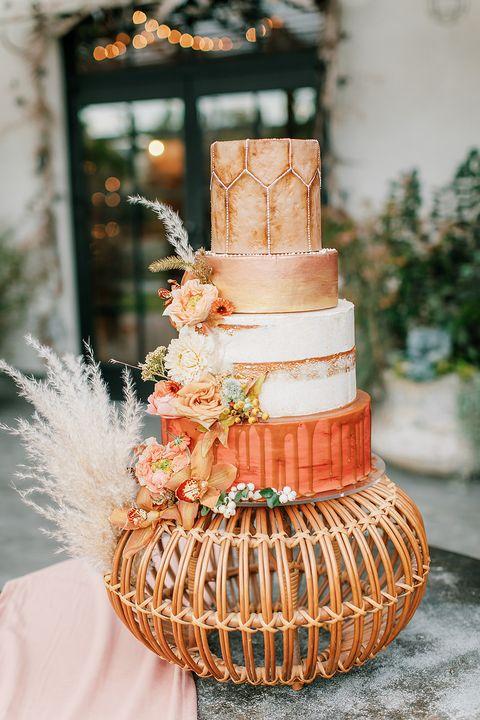 bohemian fall wedding cake