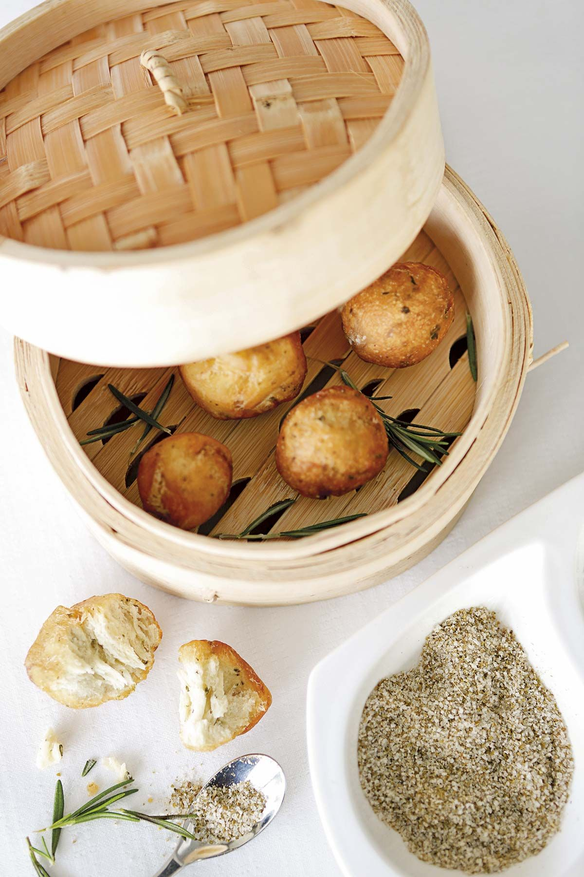 Bolitas de pan frito