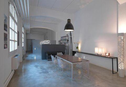 Interior design, Floor, Room, Property, Wall, Table, Flooring, Ceiling, Interior design, Light fixture,
