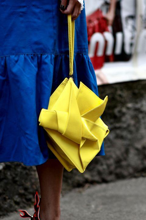 Yellow, Cobalt blue, Fashion, Blue, Street fashion, Electric blue, Footwear, Leg, Dress, Human leg,