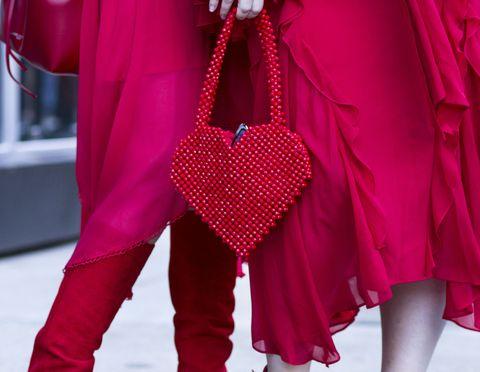 Vas a querer este bolso de Zara con forma de corazón ahora mismo.
