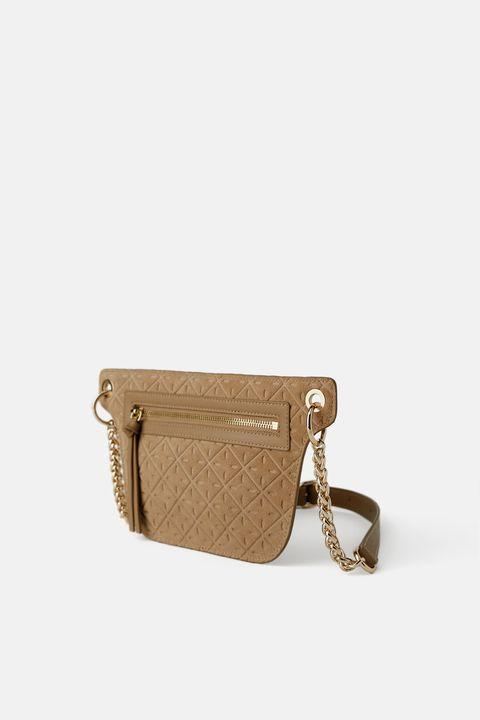 6e4d383d4 Tres bolsos de piel de Zara por menos de 30 euros en rebajas