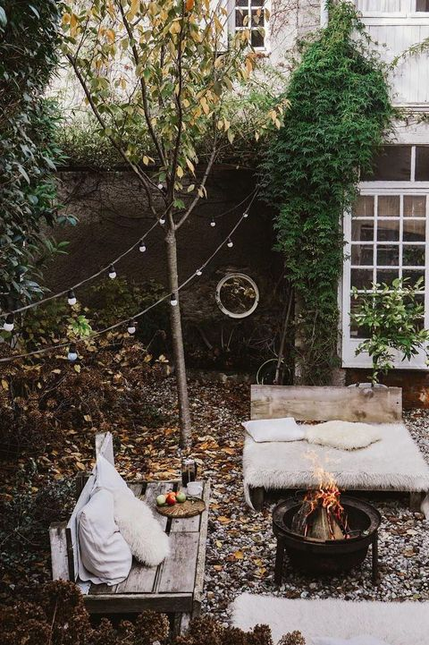 29 Small Backyard Ideas Simple Landscaping Tips For Small Yards