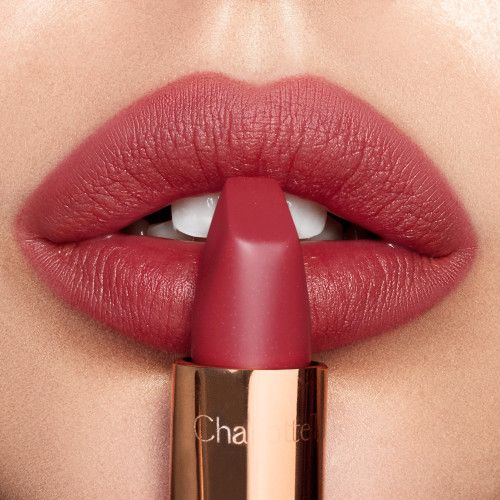 Stop everything: You can get a free Charlotte Tilbury Lip Pencil today