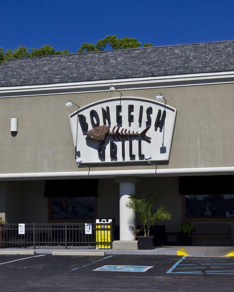 bonefish grill restaurants open on new years day