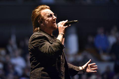 Bono en concierto