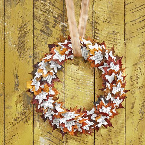 diy wreaths for halloween book leaves