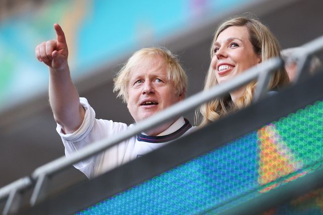 boris johnson and wife carrie watching the euros
