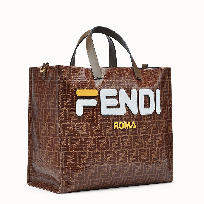 55e18d7b9b Le borse di marca migliorano l\u0027outfit perché gli accessori firmati  fanno la differenza, ...