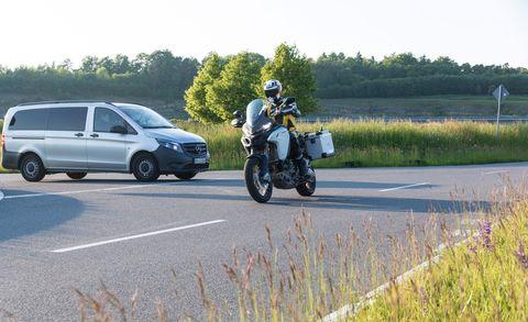 Land vehicle, Vehicle, Motor vehicle, Car, Motorcycle, Mode of transport, Transport, Honda, Road, Automotive exterior,