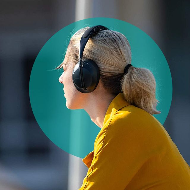 woman wearing bose noise canceling headphones