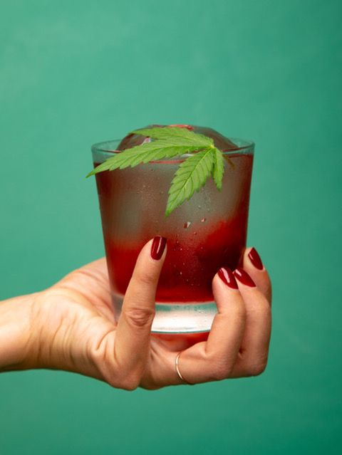 Green, Drink, Non-alcoholic beverage, Juice, Hand, Food, Cocktail garnish, Cocktail, Strawberry juice, Pomegranate juice,