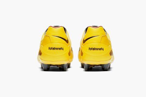 Folleto Primer ministro Interpretar  Nike lanza la reedición limitada de las botas de fútbol Nike Total 90  Laser... ¡y las agota en segundos!
